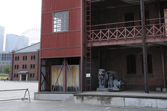 横浜赤レンガ倉庫1号館の保存エレベーター、エレベーター塔屋