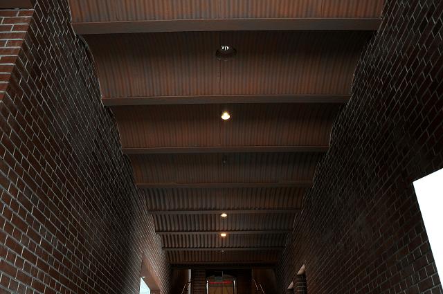 横浜赤レンガ倉庫1号館のコルゲート天井
