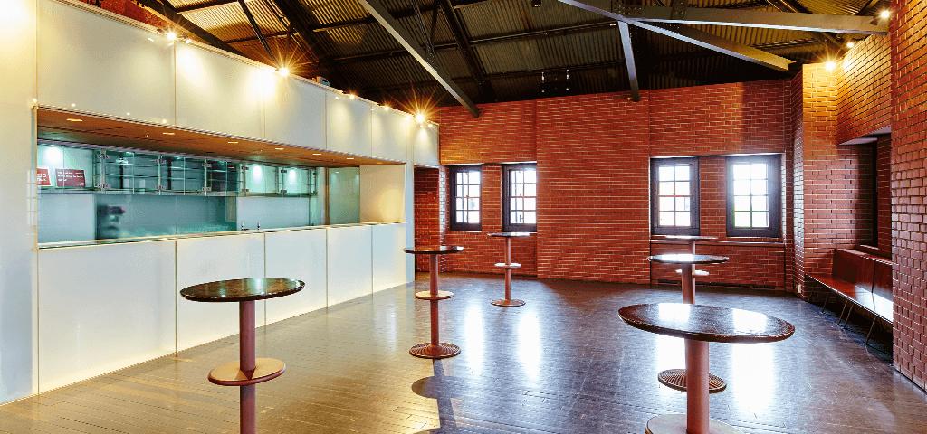 横浜赤レンガ倉庫1号館のホール